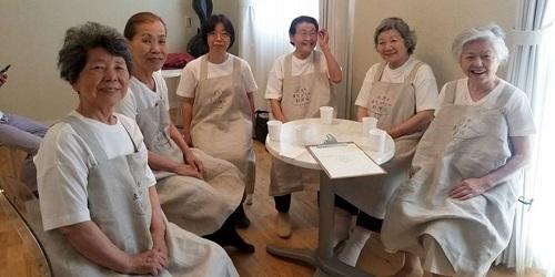 Semua pelayan lansia yang alami demensia.(Bored Panda)