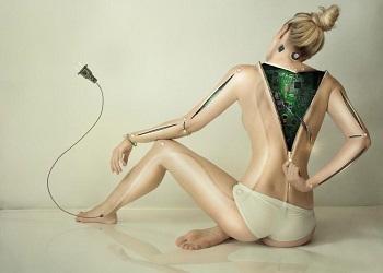 Evatar, robot yang bisa menstruasi.(The Sun)