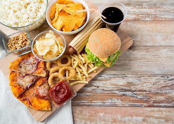 Cegah Kebiasaan Konsumsi Makanan Cepat Saji Belanda Larang Kartun