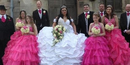 Markham dengan gaun pengantin yang berbobot fantastis.(bbs)
