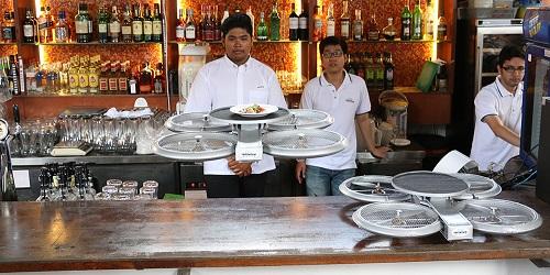 Drone siap antar makanan.(channelnewsasia.com)
