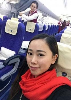 Zhang Berselfie ria dalam pesawat.(bbs)