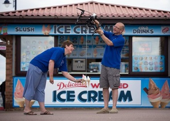 Pengiriman es krim dengan drone.(brilio)