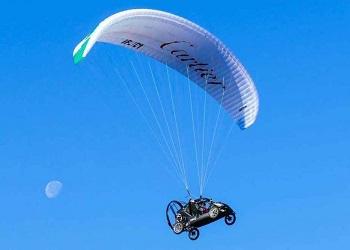 'Mobil Terbang' Bruno Vezzoli.(flyingmag)