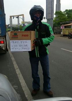 Aksi solidaritas pengemudi transportasi online.(shy)