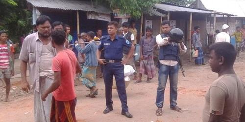 Polisi sampai turun tangan dalam aksi tawuran warga .(bbc.co.uk)