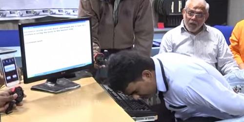 Hussain saat unjuk kebolehan.(metro.co.uk)