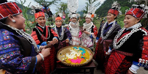 Meal Sisters Festival.(chinaculturetour.com)
