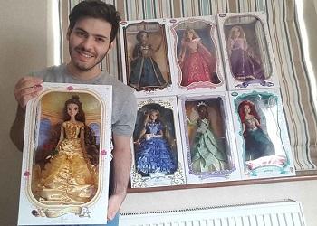Nick Theodoulou & koleksinya.(dailymail)