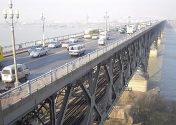 Nanjing Yangtze River Bridge.(wikimedia)