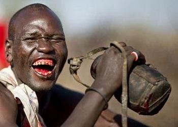 Ritual minum darah suku Maasai.(bbs)