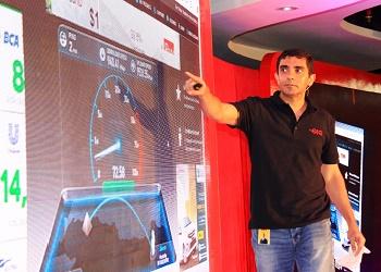 Prashant Gokarn, Chief New Business and Innovation Officer Indosat Ooredoo, perkenalkan layanan GIG.(asri)