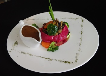 Style prime Australian beef tenderloin with potato.(asri)