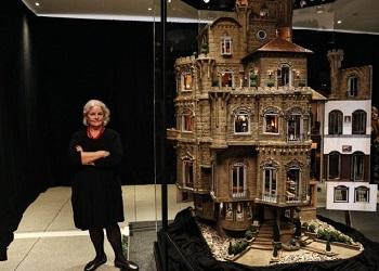 Astolat Dollhouse.Castle(fleamarketinsiders)