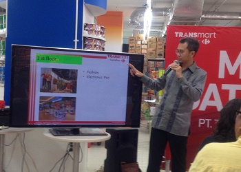 GM PT Trans Retail Indonesia, Satria Hamid, jelaskan konsep Transmart Carrefour.(asri)