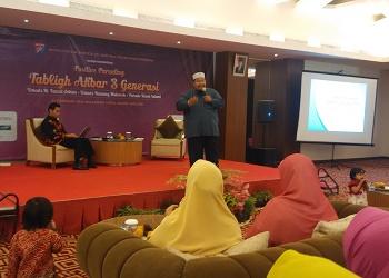 Seminar parenting Tiga Generasi MT Sinar Cendekia. (asri)