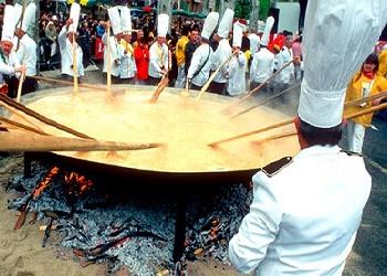 Hasil gambar untuk omelet raksasa