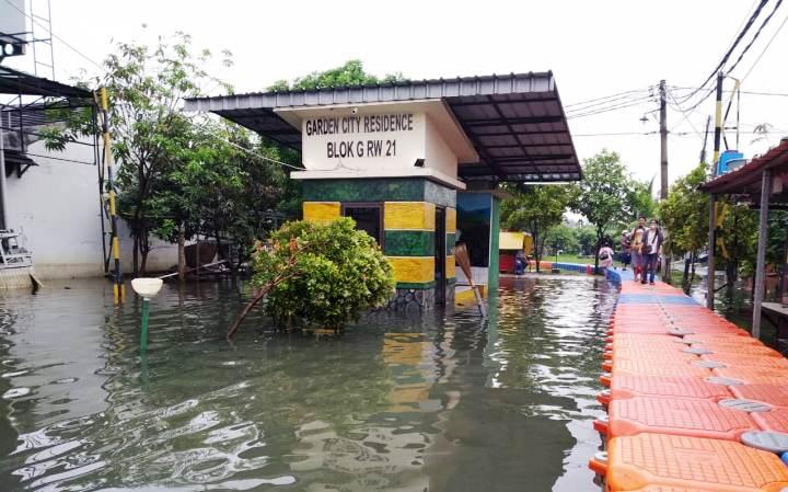 Warga Sebut Banjir Di Periuk Kado Terindah Hut Kota Tangerang Kabar6 Com